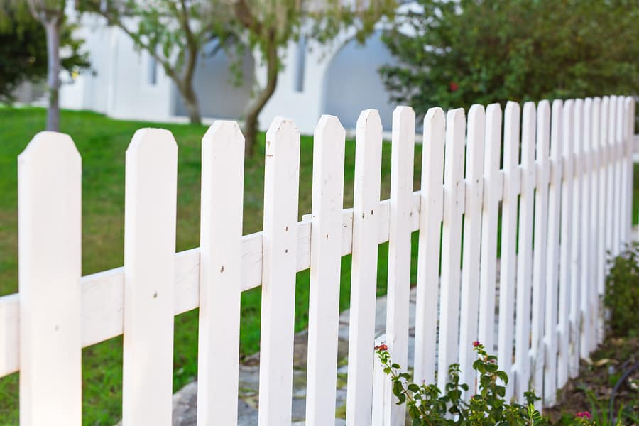 Vinyl-Fencing-and-Gates